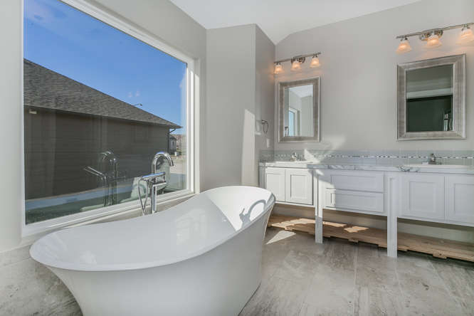 14200 W Onewood Pl 41 Wichita Small 022 25 Master Bath 666×445 72dpi
