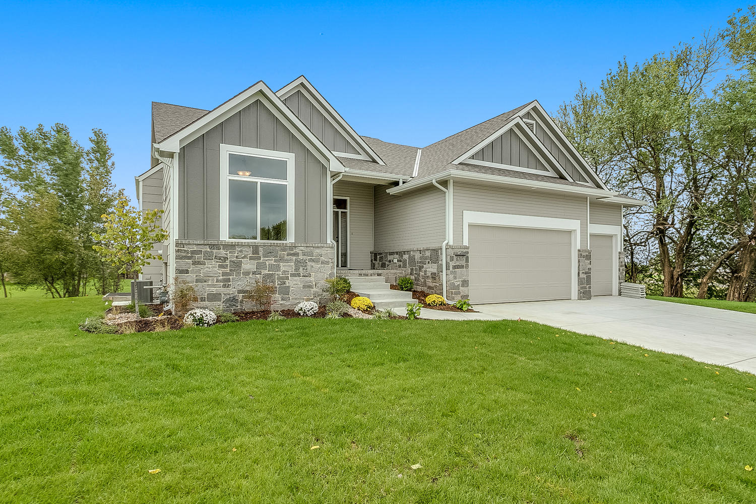For sale 6313 driftwood st wichita ks 67205 557944 jrussell communities for Exterior construction wichita ks